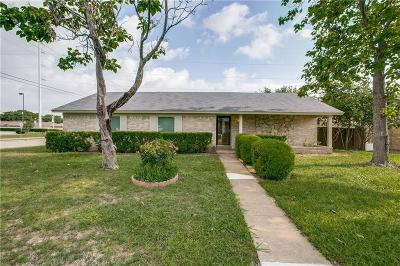 Dallas County, Denton County, Collin County, Cooke County, Grayson County, Jack County, Johnson County, Palo Pinto County, Parker County, Tarrant County, Wise County Single Family Home For Sale: 1801 Dawn Circle
