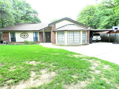 Azle Single Family Home For Sale: 405 Greenleaf Drive