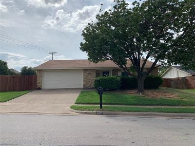 Dallas County, Denton County, Collin County, Cooke County, Grayson County, Jack County, Johnson County, Palo Pinto County, Parker County, Tarrant County, Wise County Single Family Home For Sale: 2301 Chinaberry Drive