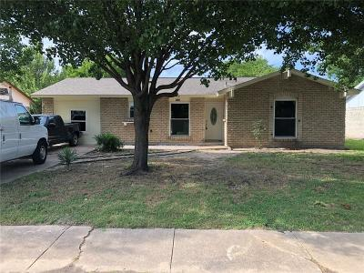 Dallas County, Denton County, Collin County, Cooke County, Grayson County, Jack County, Johnson County, Palo Pinto County, Parker County, Tarrant County, Wise County Single Family Home For Sale: 805 Ontario Drive