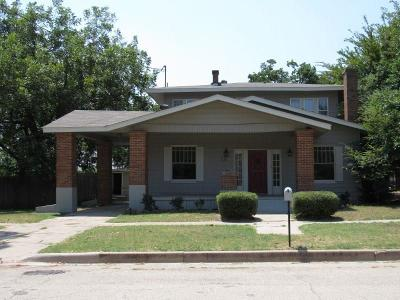 Mineral Wells Single Family Home For Sale: 511 NW 6th Street