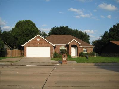North Richland Hills Single Family Home For Sale: 6064 Holiday Lane