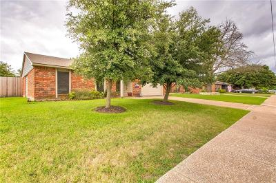 North Richland Hills Single Family Home Active Contingent: 7200 Chapman Drive