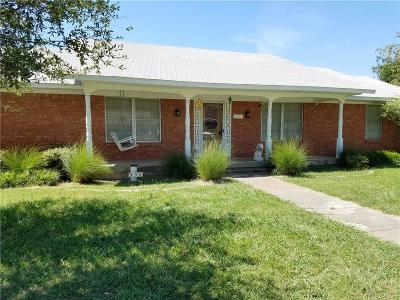 Sanger Single Family Home For Sale: 906 Bolivar Street