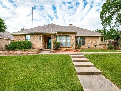 Bedford Single Family Home For Sale: 716 Shady Lane