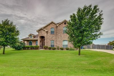Waxahachie Single Family Home For Sale: 951 Mallory Drive