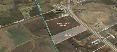 Cooke County Farm & Ranch For Sale: 12711 Interstate 35