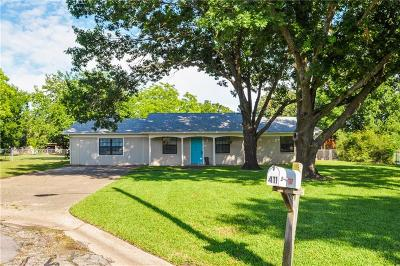 Angus, Barry, Blooming Grove, Chatfield, Corsicana, Dawson, Emhouse, Eureka, Frost, Hubbard, Kerens, Mildred, Navarro, No City, Powell, Purdon, Rice, Richland, Streetman, Wortham Single Family Home For Sale: 411 Carol Avenue