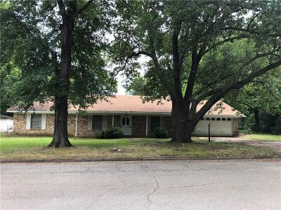 Van Single Family Home For Sale: 130 E Kansas Street
