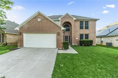 Haltom City Single Family Home For Sale: 3953 Wisteria Lane