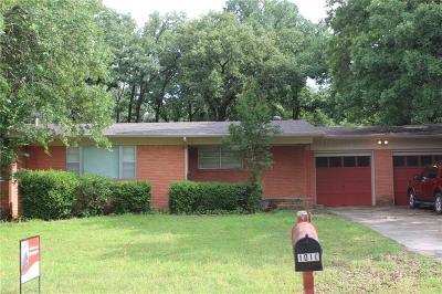 Azle Single Family Home For Sale: 1016 Jarvis Lane
