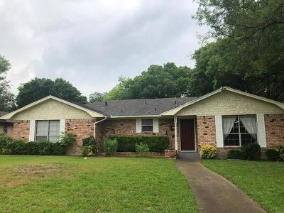 Desoto Single Family Home For Sale: 929 Oak Trail