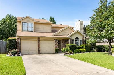 Grapevine Single Family Home For Sale: 1219 Eaton Lane