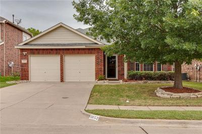 Grand Prairie Single Family Home For Sale: 5852 Crestview Drive