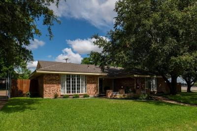 Hurst Single Family Home For Sale: 1600 Renee Drive