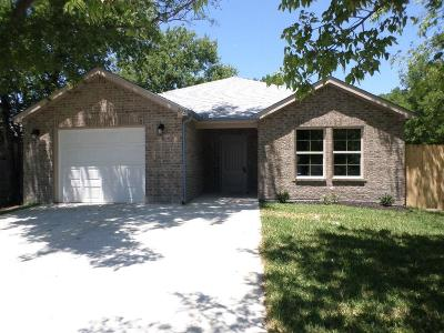 Grand Prairie Single Family Home For Sale: 613 20th Street