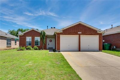 Denton Single Family Home For Sale: 1424 Mosscreek Drive