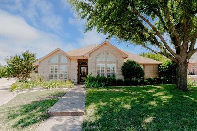 Benbrook Single Family Home Active Option Contract: 10217 Fieldcrest Drive