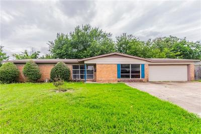North Richland Hills Single Family Home For Sale: 4805 Maple Street
