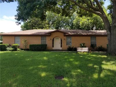 Denton Single Family Home For Sale: 1326 Cromwell Drive