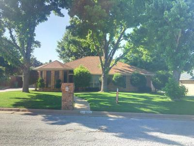 Graham Single Family Home For Sale: 105 Mustang Drive