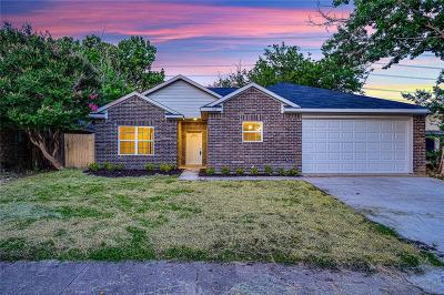Arlington Single Family Home Active Option Contract: 4745 Hollow Tree Drive