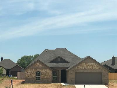 Azle Single Family Home For Sale: 218 Angelina Court