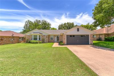 Benbrook Single Family Home For Sale: 10173 Stoneleigh Drive