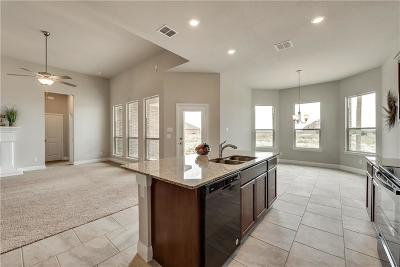Cleburne Single Family Home For Sale: 706 Dripping Springs Lane