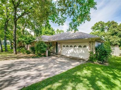 Bedford Single Family Home For Sale: 2916 Tangle Oaks Court