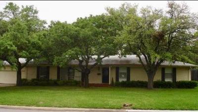 Single Family Home For Sale: 5819 Preston Haven Drive