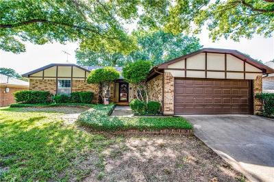 Euless Single Family Home For Sale: 508 Live Oak Drive