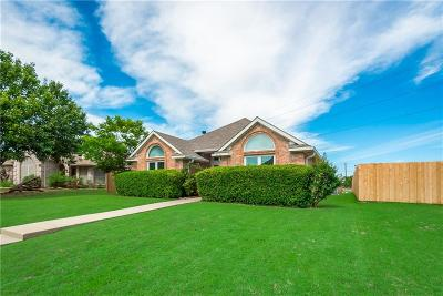 Garland Single Family Home For Sale: 2830 Kingswood Drive