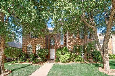 Irving Single Family Home For Sale: 216 Touchdown Drive