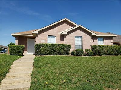 Mesquite Single Family Home Active Option Contract: 1215 Chelsea Court