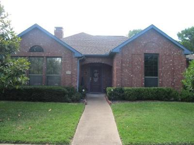 Irving Single Family Home For Sale: 1117 Parkrow Place