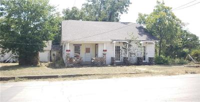 Comanche Single Family Home For Sale: 700 E Highland Avenue