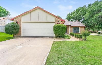Bedford Single Family Home For Sale: 3700 Hackberry Lane