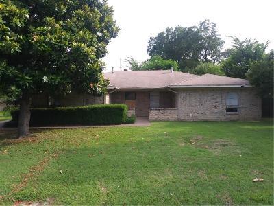 Irving Multi Family Home For Sale: 1017 Mullins Street