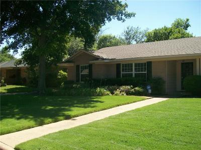 Arlington Single Family Home For Sale: 1008 Forrest Drive
