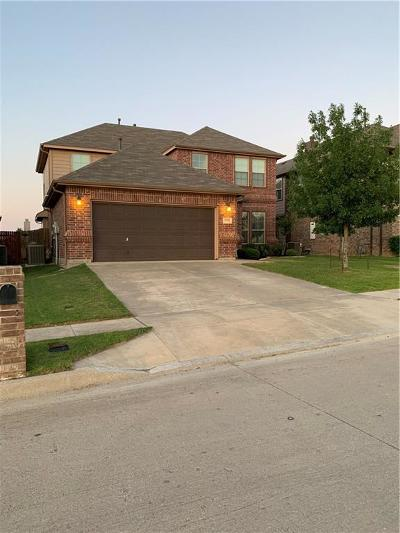 Fort Worth Single Family Home For Sale: 12404 Autumn Leaves Trail