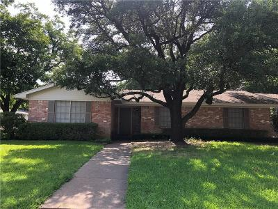 Benbrook Single Family Home For Sale: 1306 Sproles Drive