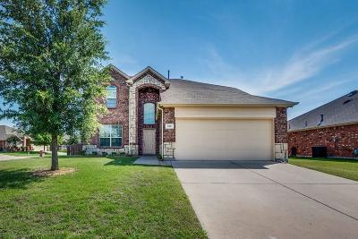 Waxahachie Single Family Home For Sale: 212 Clydesdale Street