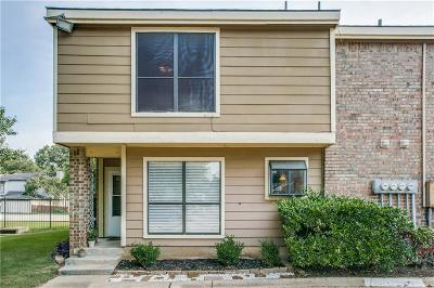 Tarrant County Condo For Sale: 2128 Park Willow Lane #A