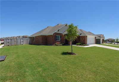 Denton County Single Family Home For Sale: 3911 Kensington Drive