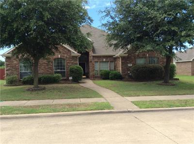 Desoto Single Family Home For Sale: 313 Crystal Lake Drive