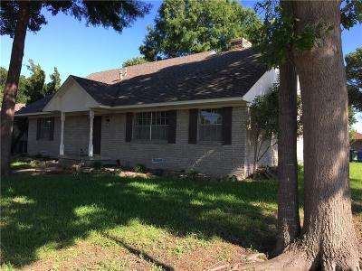 Garland Single Family Home For Sale: 722 Kingsbridge Drive