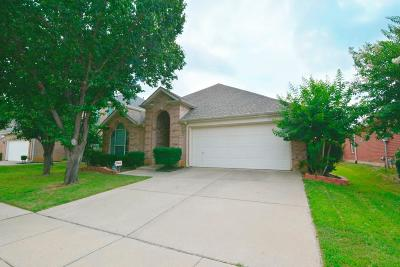 Euless Residential Lease For Lease: 3012 Honey Locust Drive