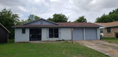 Dallas Single Family Home For Sale: 532 Meadowshire Drive