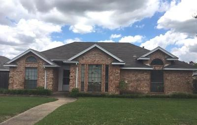 Desoto Single Family Home Active Option Contract: 345 N Beltwoods Drive